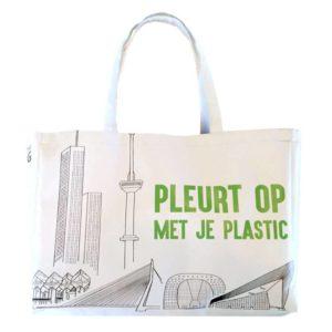 pleurt op met je plastic - tas