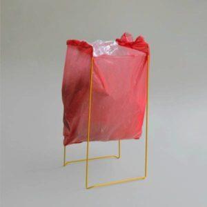 hergebruik je plastic tasjes met dit stijlvolle frame van Kolor